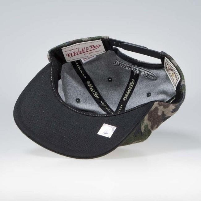 Mitchell & Ness Los Angeles Lakers Flannel Snapback camo